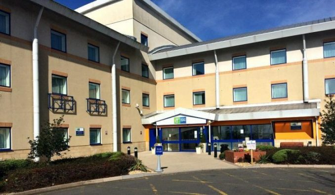 Review Holiday Inn Express In Cardiff Airport