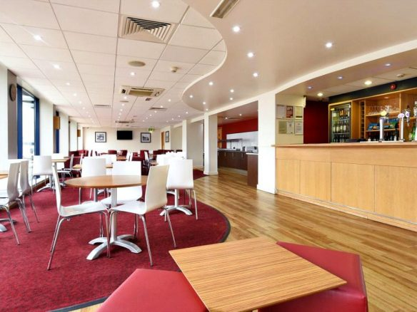 travelodge-bar-and-restaurant