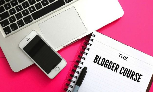 How to Become a Professional Blogger with The Blogger Course