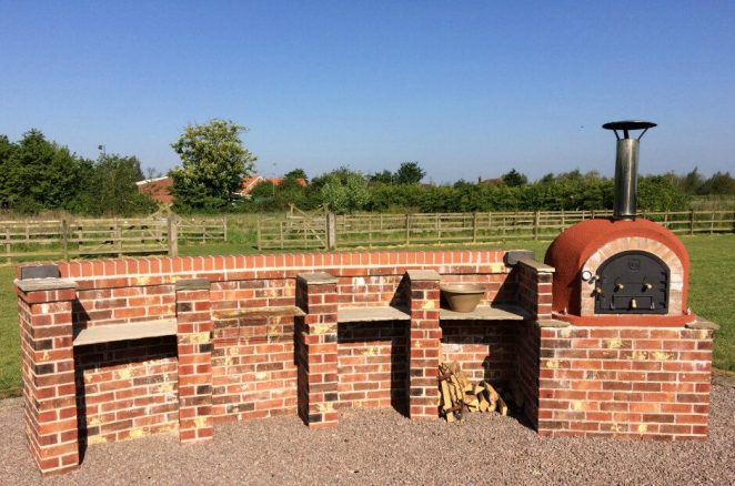 BBQ's and Outdoor Pizza Oven at Elms Farm