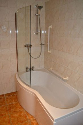 Bath and Shower in Elm Cottage