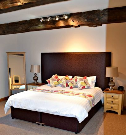 Large Bedroom in The Stables Holiday Cottage in Lincolnshire