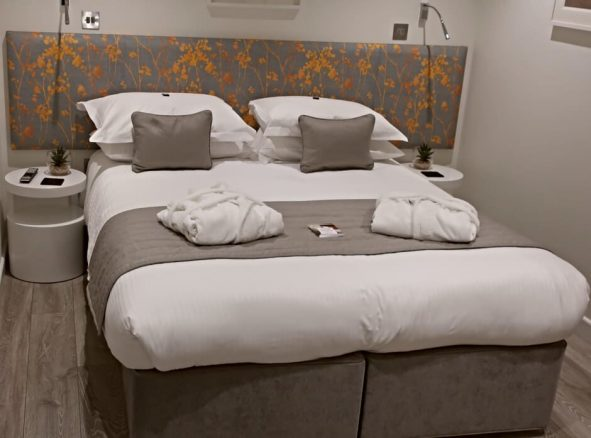 Double Bedroom in Cornwall Holiday Lodge